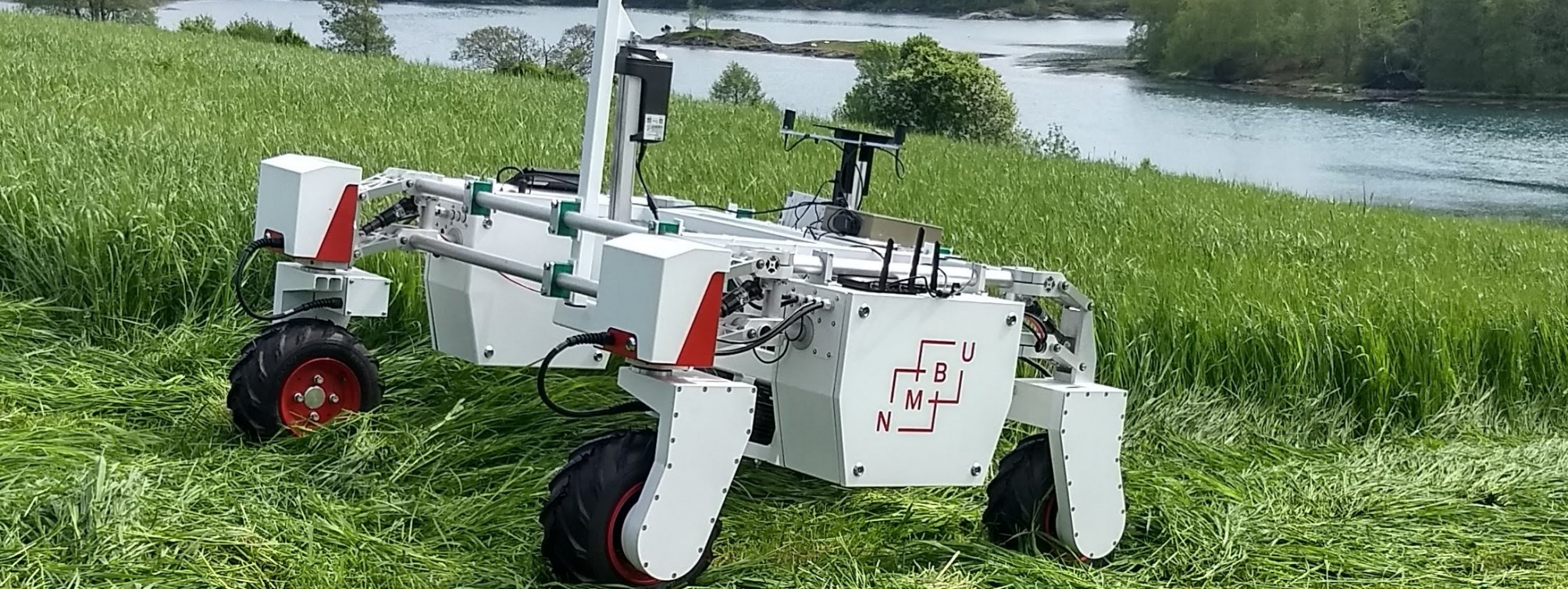 GrassRobotics - A novel adaptation strategy for forage production under wet growing conditions - robotization and high quality forages