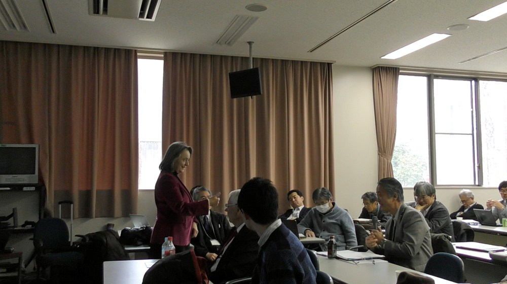 Discussion with Japanese scientists