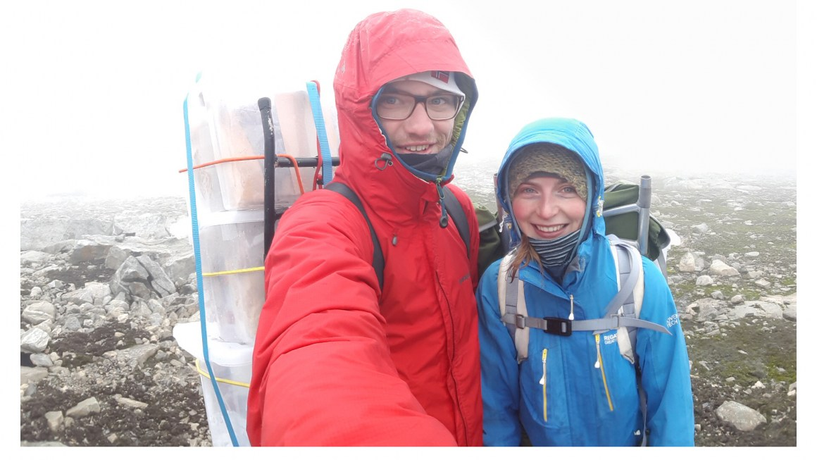 Researchers Ruben E. Roos and Kristel van Zuijlen in the field at Finse, Norway.