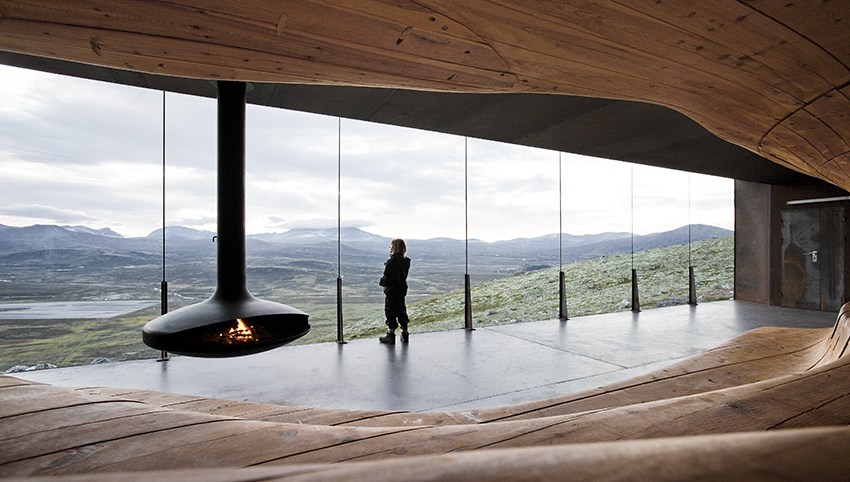 "The Wild Reindeer Interpretation Centre, including the prized ""Viewpoint Snøhetta"", is located north of Lillehammer."