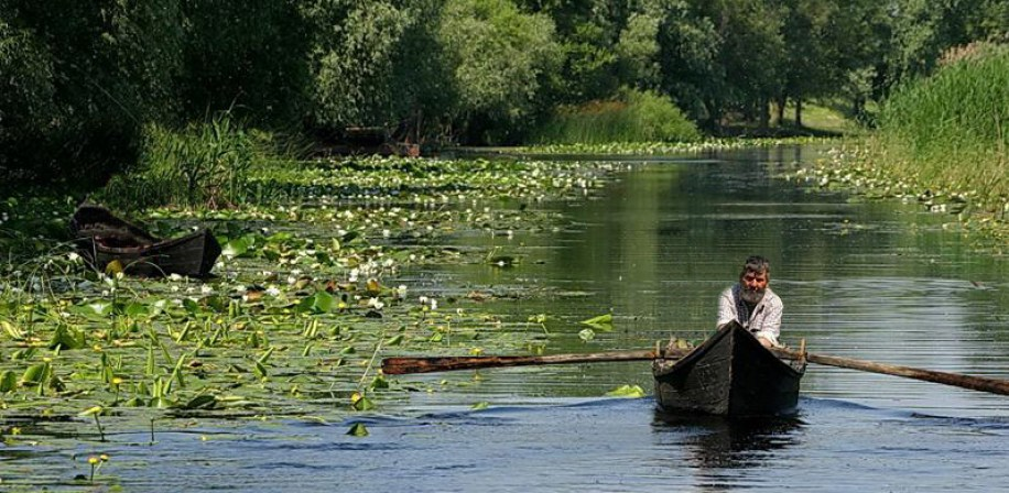A lipovan fisher in the Danube delta